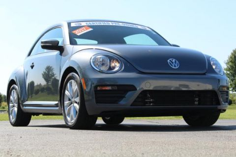 Certified Pre-Owned 2017 Volkswagen Beetle 1.8T Classic Auto